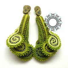Textile seashells tutorial, original soutache earrings pattern, DIY jewelry making, soutache lesson, Soutache Tutorial, Soutache Pattern, Earring Tutorial, Diy Jewelry Projects, Jewelry Making Tutorials, Jewelry Crafts, Decorative Beads, Beading Needles, Good Tutorials