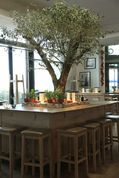 Vapiano / France / design / restaurant / pasta / pizza / bar / olivier / table…
