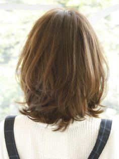 カールミディ Medium Shag Haircuts, Haircuts Straight Hair, Layered Haircuts, Hairstyles With Bangs, Medium Hair Cuts, Short Hair Cuts, Medium Hair Styles, Short Hair Styles, Rachel Haircut