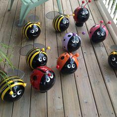 Sarantontones y abejas pintadas