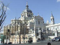 Foto Exterior de la Catedral de la Almudena