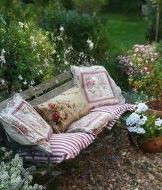 (9) garden bench | Tumblr