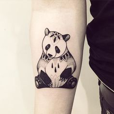 Pandas are unquestionably essentially the most lovable animal on this planet. Have you ever seen a cub panda simply roll on the ground and no person cares? Mini Tattoos, Little Tattoos, New Tattoos, Cool Tattoos, Tatoos, Panda Tattoos, Animal Tattoos, Tattoo Designs For Women, Tattoos For Women