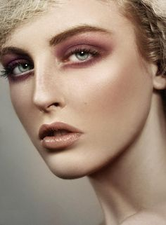 brown nude makeup Real Techniques turtorial here ... https://www.youtube.com/watch?v=sGY7jt4FDNE #makeup #makeupbrushes #realtechniques