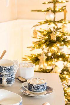 Real Christmas Tree, Christmas Coffee, Christmas Home, Xmas, Little Cottages, Cottage Style Homes, Cocoa Bar, Christmas Table Settings, Free Christmas Printables