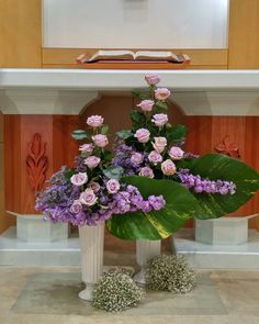 Church Flower Arrangements, Church Flowers, Floral Arrangements, Ikebana, Flower Art, Floral Design, Centerpieces, Floral Wreath, Wedding Decorations