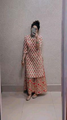 Silk Kurti Designs, Simple Kurta Designs, Kurta Designs Women, Kurti Designs Party Wear, Casual Indian Fashion, Indian Fashion Dresses, Indian Designer Outfits, Fashion Edgy, Fashion 2018