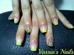 Yellow leopard nails gel