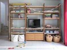 Mesopotamia / biblioteca camaro easy decor in 2019 Rack Tv, Muebles Living, Living Room Shelves, Entertainment Center Decor, Diy Cabinets, Built Ins, Bookshelves, Living Spaces, Kids Room