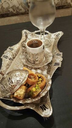 I Love Coffee, Coffee Set, Coffee Break, Iced Coffee, Fest Des Fastenbrechens, Bandeja Bar, Plats Ramadan, Tea Snacks, Good Morning Coffee