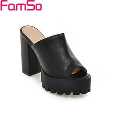 (28.52$)  Watch here - http://aijnn.worlditems.win/all/product.php?id=32669566155 - Plus Size34-43 2017 Platforms Pumps Peep toe High Heels Mature Sandals Black Women's Slides Slipper Summer Casual Pumps PS2474