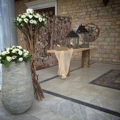 Church decoration - All The World Wedding Ideas Wedding 2017, Wedding Events, Our Wedding, Weddings, Driftwood Wedding, Rustic Wedding, Wedding Decorations, Table Decorations, Lanterns Decor