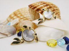 #Fei fei et bu#earrings#mother of pearl#jewelry https://www.facebook.com/feifeietbu