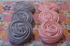 How-to Meringue Roses from CakeJournal