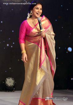 Phulkari Saree, Kanjivaram Sarees Silk, Indian Silk Sarees, Chiffon Saree, Indian Beauty Saree, Kanakavalli Sarees, Kanjipuram Saree, South Indian Sarees, Pink Saree