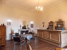 10- LES TOUCHES: vente, Château, 1100m², 26 Pièces, Chef-Boutonne.