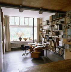 Love big windows and books // 2 Willow Road was the home of the architect Erno Goldfinger