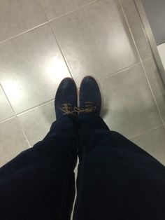 En salvador artesano tenemos productos de limpieza y cosmética para tus zapatos,consiguelos en www.zapatosparatodos.es