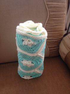 Baby blanket crochet in light blue  Κουβέρτα με πλέξιμο σε γαλάζιο Handmade Crafts, Knit Crochet, Crochet Patterns, Organization, Baby Blankets, Knitting, Home Decor, Getting Organized, Homemade Home Decor