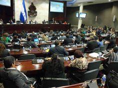 Honduras: No hay obstáculos legales para aprobar la Maccih Mauricio Oliva, presidente del CN, dice que hay voluntad política de las bancadas de aprobar el convenio y aclara sobre las extradiciones El dictamen sobre el convenio de la Maccih se conocerá en las sesiones de esta semana.
