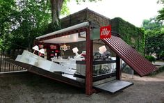 Illy pop up store ...WOW, can someone build Chez Moi one like this!!! www.iloverumcake.com