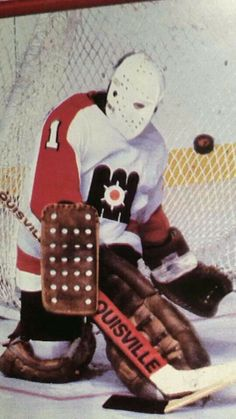 Pelle Lindbergh Flyers Players, Flyers Hockey, Hockey Goalie, Hockey Players, Ice Hockey, Nhl, Bernie Parent, Martin Brodeur, Hockey Boards