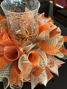 Best Fall & Halloween season home decoration DIY Ideas - Hike n Dip Celebrate the reign of Fall season with the best Fall and Halloween home decor DIY ideas. Take inspiration from the best fall home decor ideas for 2019 Halloween Home Decor, Fall Home Decor, Autumn Home, Fall Halloween, Halloween Season, Halloween Deco Mesh, Fall Wreaths, Deco Mesh Wreaths, Deco Mesh Crafts