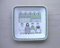 Square Plate SOLD OUT decoration: Raija Uosikkinen ライヤ・ウオシッキネン maker: ARABIA (finland) >> size: porcelain Vintage Images, Finland, Porcelain, Plate, Ceramics, Decoration, Fabric, Design, Vintage Pictures