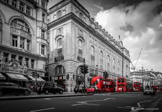 Red busses everywhere by pmoromalos on 500px