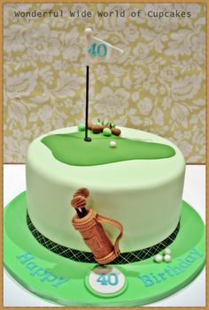 Love the detail of the golf bag. Fondant golf cake
