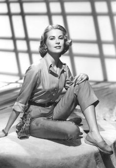 Grace Kelly - Now that's a classic beauty.