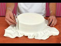Zdeňka Michnová - Zdobení dortů - díl 1 - YouTube Butter Dish, Vanilla Cake, Fondant, Dishes, Cream, Desserts, Train Party, 35, Food
