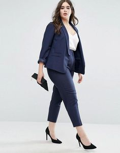 Searching for a couple of pieces to revive your plus size office outfits? 20 must have wear to work plus size outfits that will help you at work! Business Professional Outfits, Business Casual Outfits, Office Outfits, Casual Attire, Plus Size Business Attire, Office Wear, Work Outfits, Casual Wear, Formal Wear
