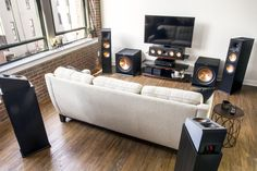 Dolby Atmos Provides More Home Theater Setup Options – But Is It Worth It? – home theater design ideas Home Theater Surround Sound, Home Theatre Sound, Home Theater Setup, Home Theater Speakers, Home Theater Design, Home Interior Design, Home Cinéma Klipsch, Klipsch Home Theater, Home Cinema Room