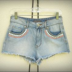 Kendall And Kylie Denim Shorts High Rise Size 1 three tier studded short shorts 100% cotton Kendall & Kylie Shorts Jean Shorts