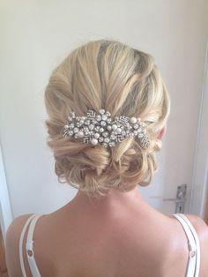 wedding upstyles  / http://www.himisspuff.com/beautiful-wedding-updo-hairstyles/8/