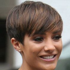 simple easy daily haircut - highlighted pixie cut for medium to thick hair hair styles short pixies 20 Gorgeous Short Pixie Haircuts with Bangs 2020 - Hairstyles Weekly Pixie Haircut For Thick Hair, Pixie Cut With Bangs, Short Hair Cuts, Pixie Cuts, Curly Hair, Pixie Bangs, Photos Of Short Haircuts, Short Haircuts With Bangs, Short Bangs