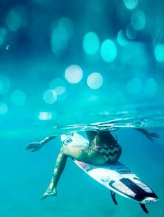 |Waiting for the wave| Kitesurfing, Surf Girls, Surf Mar, Wind Surf, Hawaii Surf, Skate Surf, Ansel Adams, Big Waves, Surf Style
