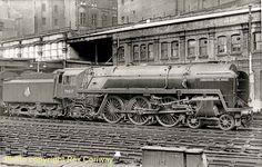 70037 Hereward The Wake: seen here at Birmingham New Street Birmingham News, Vintage Trains, Steam Railway, Train Engines, Steam Locomotive, Steam Punk, Locs, Planes, British