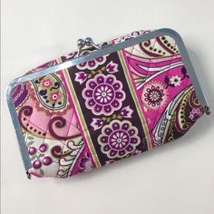 Vera Bradley Kiss Lock Clutch Excellent condition, shows only gentle wear! Plastic lining makes it great for makeup, use it to keep a bigger bag clean or carry everything you need! Vera Bradley Bags Clutches & Wristlets