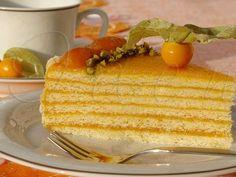 Торт «Жозефина»Тесто: Мука 3,5 стакана (560 г) Сливочное масло 200 г Сахар 1 стакан (220 г) Яйца 2 шт. Разрыхлитель для теста 1 ч. ложка Начинка: Лимон 1 шт. Курага 600 г Вода 500-600 мл