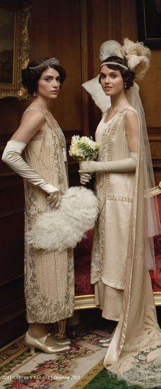 Janet Montgomery (Freda Dudley Ward) & Poppy Drayton (Madeleine Allsopp) in the Season 4 Christmas Special.