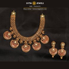 A yellow gold short necklace and its matching earrings studded with hanging pendants to gives your Celebrations always bring happiness. Add an extra dose of glitter to your happy days with beautiful, traditional jewellery. Antique Jewellery Designs, Gold Earrings Designs, Beaded Jewelry Designs, Gold Jewellery Design, Necklace Designs, Antique Jewelry, Gold Temple Jewellery, Gold Jewelry, India Jewelry