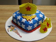 Ain't no party like a Wonder Woman party! On October 1941 All-Star Comics hit the newsstands.You wouldn't know from the cover, but inside that issue was the very first appearance of Wonder. Wonder Woman Kuchen, Wonder Woman Cake, Wonder Woman Birthday, Wonder Woman Party, Pretty Cakes, Cute Cakes, Fondant Cakes, Cupcake Cakes, Anniversaire Wonder Woman