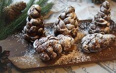 Pähkinäiset suklaakävyt Cookies, Chocolate, Desserts, Food, Tailgate Desserts, Biscuits, Deserts, Schokolade, Essen