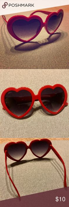 NWOT - Guess ❤️ Sunnies Cute heart frame sunnies from Guess! Does not come with case. Guess Accessories Sunglasses