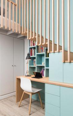 20 astuces pour aménager un dessous d'escalier - ClemATC Tiny House Builders, Tiny House Design, Modern House Design, Modern Stair Railing, Modern Stairs, Tiny House Movement, Mezzanine Bedroom, Home Stairs Design, House Stairs