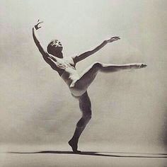 Our goal is to keep old friends, ex-classmates, neighbors and colleagues in touch. Dance Images, Dance Photos, Dance Pictures, Contemporary Dance, Modern Dance, Rudolf Nurejew, Figure Drawing Reference, Pose Reference, Dance Magazine
