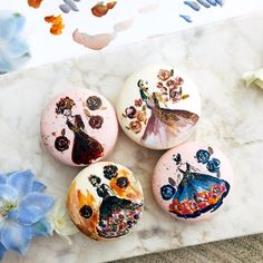 Our macaron runway for '17 SPRING COLLECTION! It's has been an eye-pleasing and tormenting process to paint on a 4.5cm round macaron. We will be taking a good break from painting these fashion macarons till we see you during the new year! #corporategift #couturefashionlaunch #gettingcreativewithdesserts