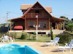 casas de madeira tipo sobrado com piscina